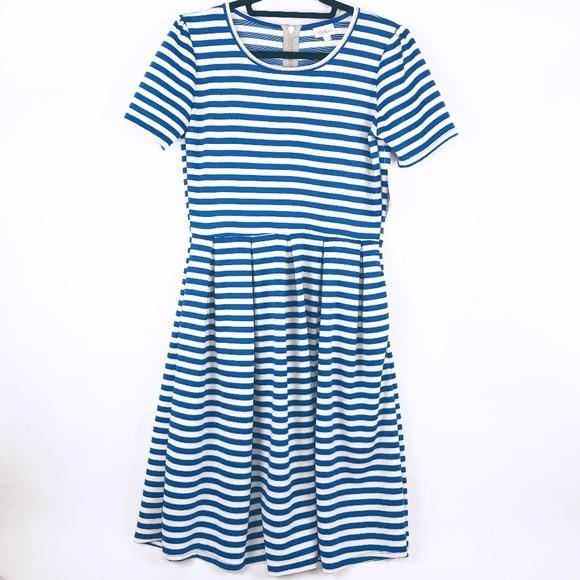 LuLaRoe Dresses & Skirts - LuLaRoe Amelia Dress BNWT - Size Large